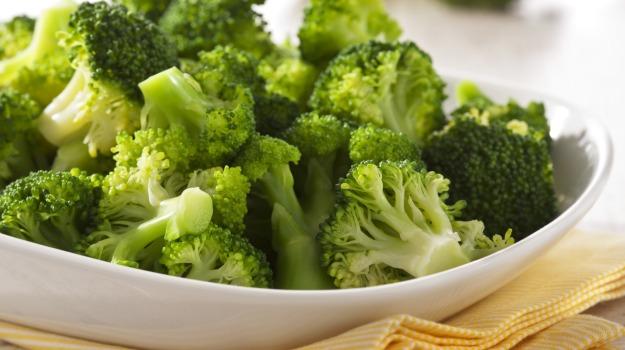 Abnehmen - Brokkoli enthalten kaum Kalorien und sind trotzdem füllend